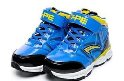 七波辉童鞋加盟